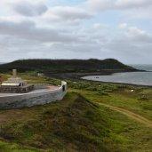 蛇頭山與松島沈船紀念碑